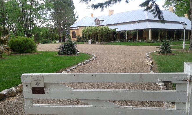 lanyon homestead, tuggeranong, historical buildinsg in canberra, canberra easrly history, lanyon cafe,