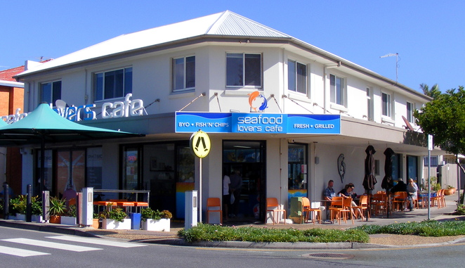 Dine in and bring your own wine or take away and eat at the beach from the Seafood lovers cafe