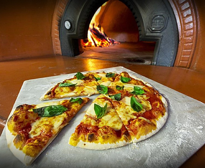 pizza gusto, canberra, lonsdale street, ACT, best pizza, wodd fired pizza,
