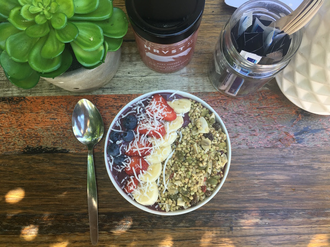 pure simplicity health bar, health bar, brisbane, mount gravatt east, southside, southern suburbs, brisbane, mt gravatt, vegan, healthy, acai bowl, dog friendly, cafe, restaurant, smoothie, cold pressed juice