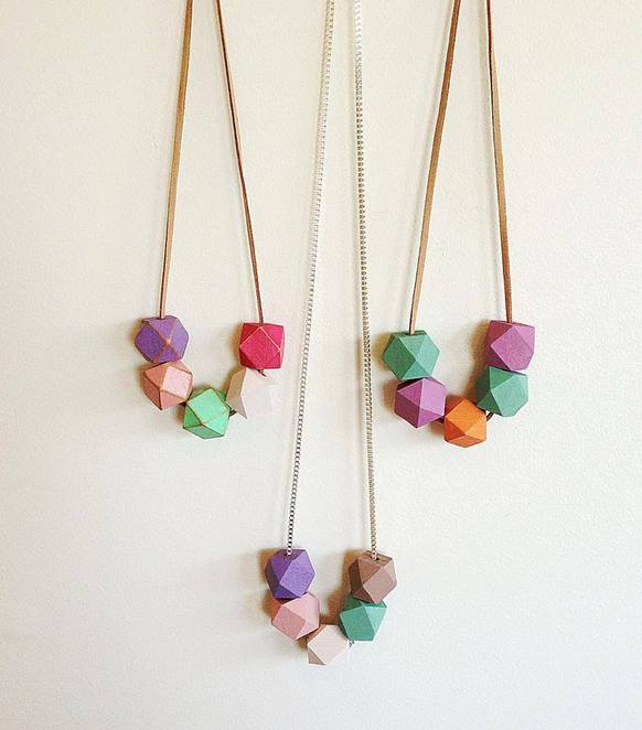 Scattered Ants necklace geometric