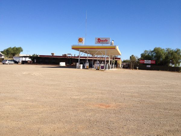 spuds, roadhouse, pimba, outback, adelaide, coober, pedy, darwin, fuel, travelling, petrol, stop