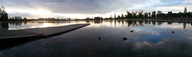 Albert Park South Melbourne Rowing Club Albert park Lake learn to row for tweens