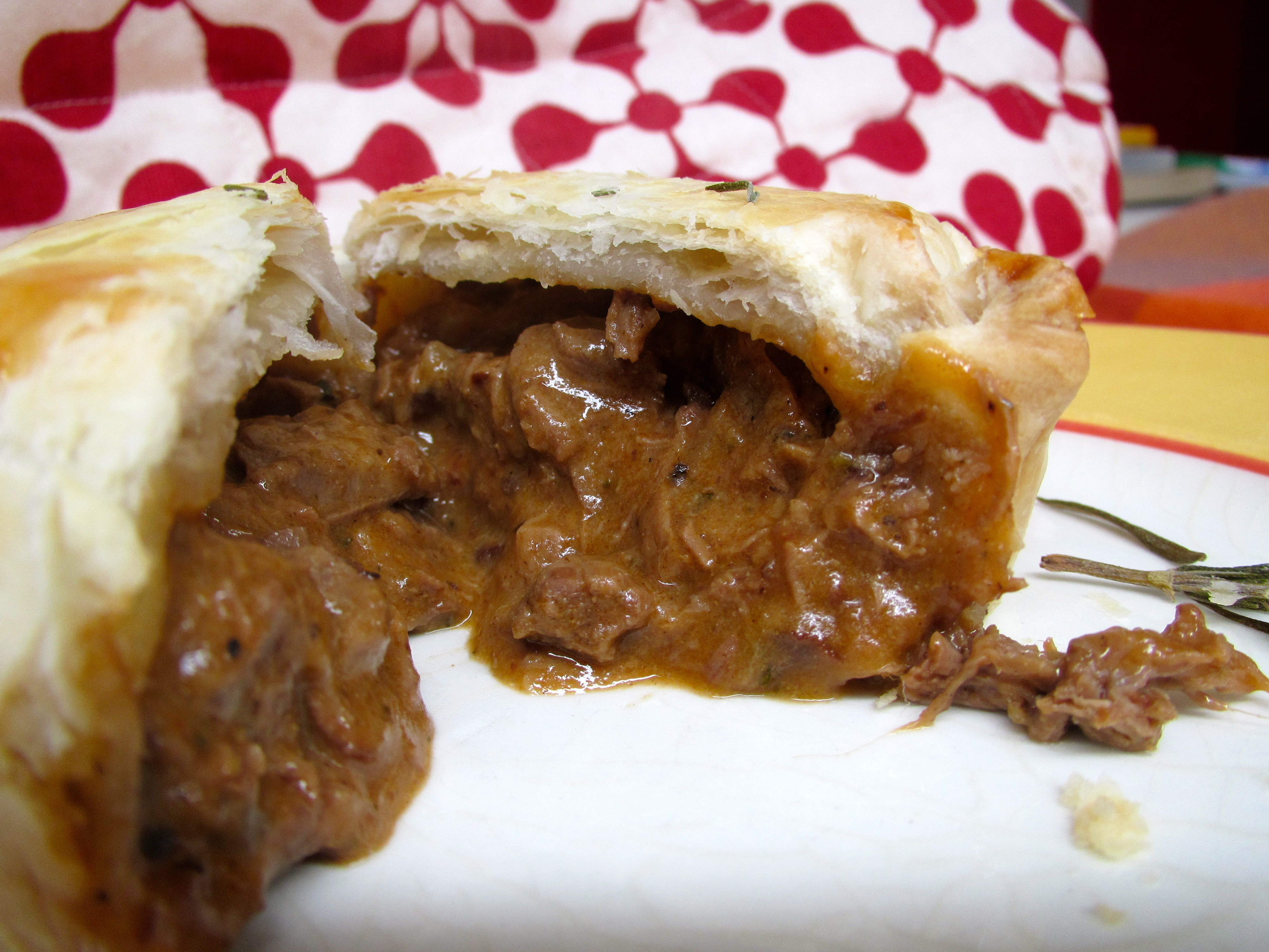 how to make beef and onion pie