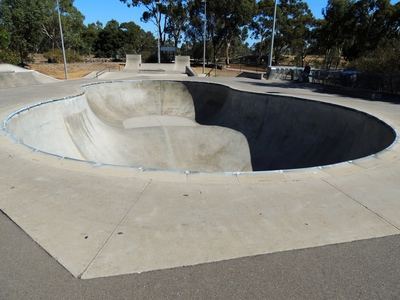 bmx track, hiking in the, bicycle trails, hiking trails in, playgrounds for kids, off leash dog, dog parks, south of Adelaide, minkarra park, skate park