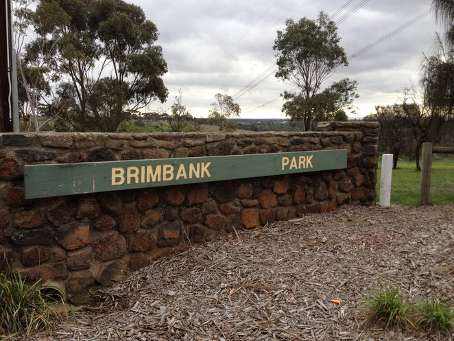 Brimbank Park, Brimbank Park Entrance Sign, Brimbank Park Nature Trail, The Heart Foundation, Green Walks, Victoria Walks, Parks Victoria, Great Places to Walk, Michellina van Loder, Frogs, Leaping Lizard Cafe, Urban Wildlife