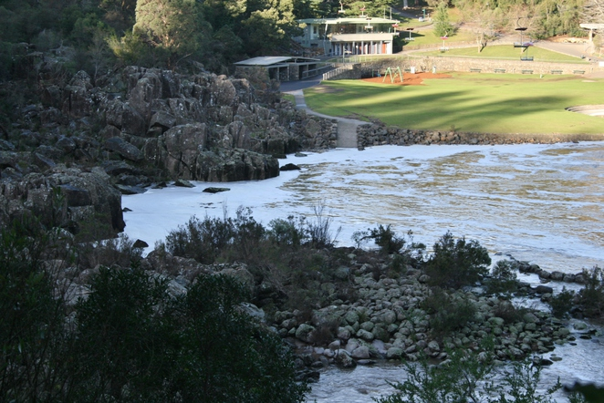 Cataract Gorge chairlift and park