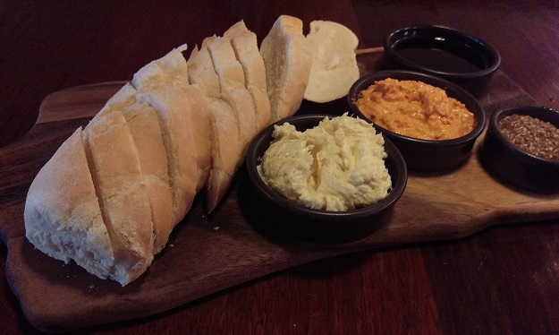 Latitude 32 Bread Starter Plate with Dip