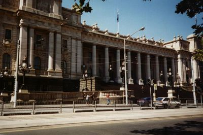 visitor, attraction, guide, melbourne, free, fun, tours, tourists, family, things to do, weekend, weekdays, state library, town hall
