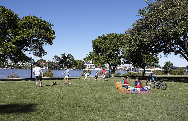 Photo of New Farm Park courtesy of the Brisbane City Council