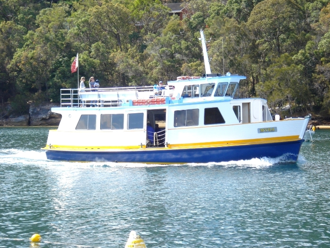 pittwater boat hire, cowan creek, cottage point, cottage point boat hire, smiths creek, akuna bay, barrenjoey head, lion island, palm beach