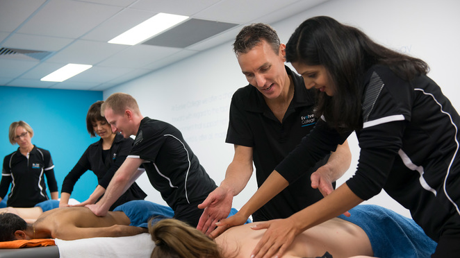 Student massage clinics, student clinic, melbourne, heidelberg, cheap massage melbourne, discount massage, cheap acupuncture, myotherapy, relaxation massage, remedial massage, Evolve College, Free Massage, Evolve student clinic,