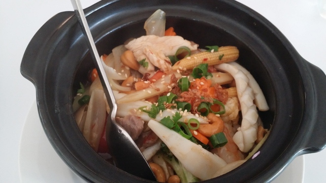 Viet L'amour, Combination Hot Pot with Roasted Cashew, Adelaide