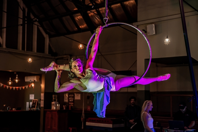acrobat, trapeze, circus, performance art, dance