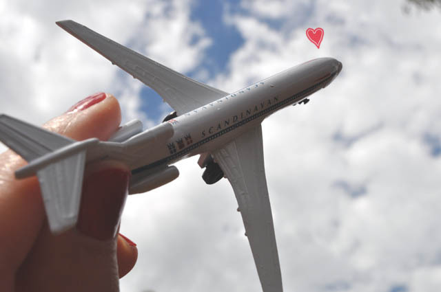 airport planes love romance melbourne airport tullamarine airport - Places To Go On Valentines Day