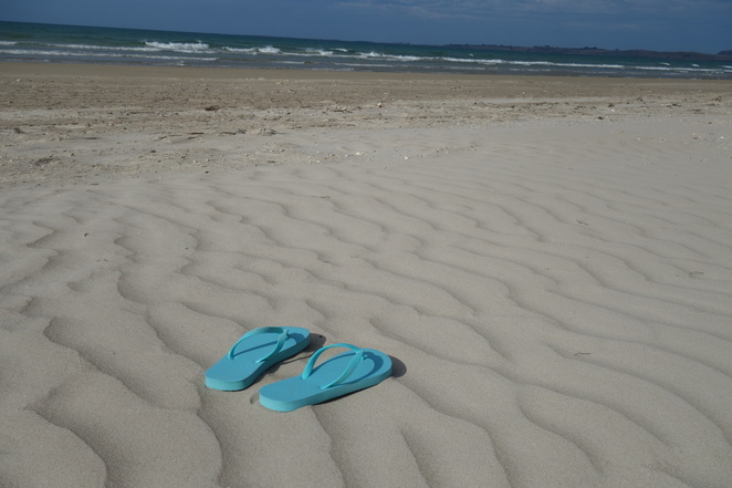 beach,seven,mile,anthony,sand,sea,ocean,blue,thongs,flipflops,empty,tasmania