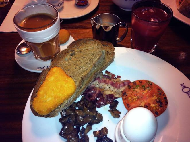 Breakfast, full English breakfast,