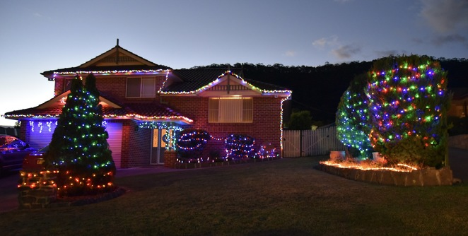 Christmas Lights Blue Mountains. Image by Jade Jackson Photography.