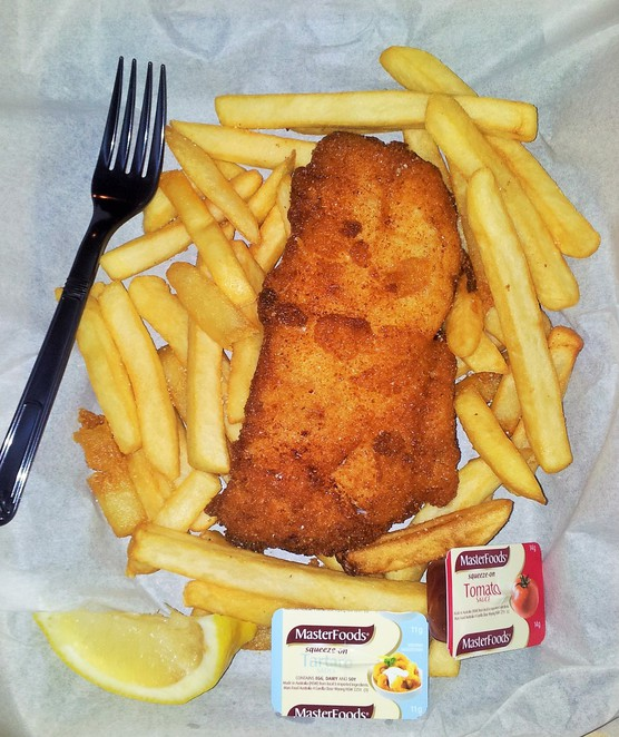 fish and chips, fish n chips, fish-n-chips, gold coast, fish market, peters fish market, Burleigh heads fishmongers, lolas broadbeach, main beach, Sorrento,