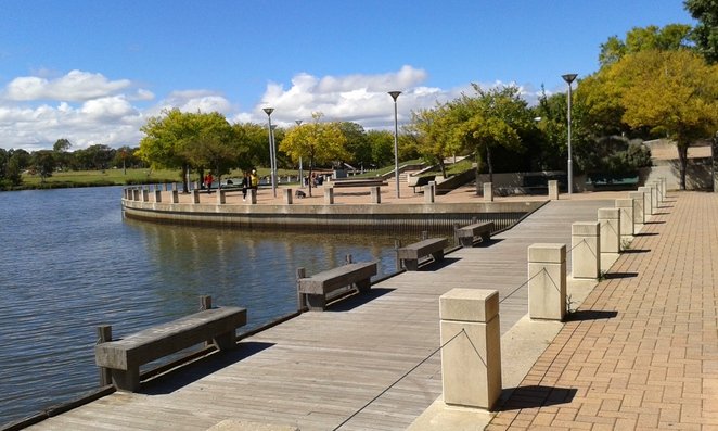 lake tuggeranong circuit, lake tuggeranong, canberra, ACT, tuggeranong, best things to do in tuggeranong, walks, bike rides,