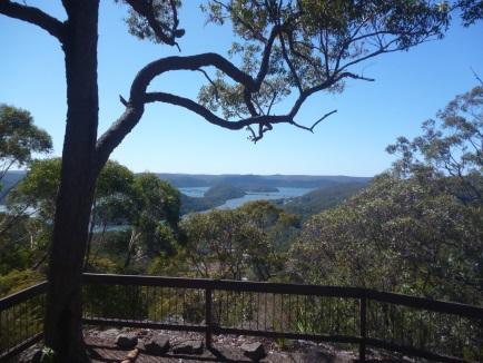 muogamarra nature reserve, lookout, tipper