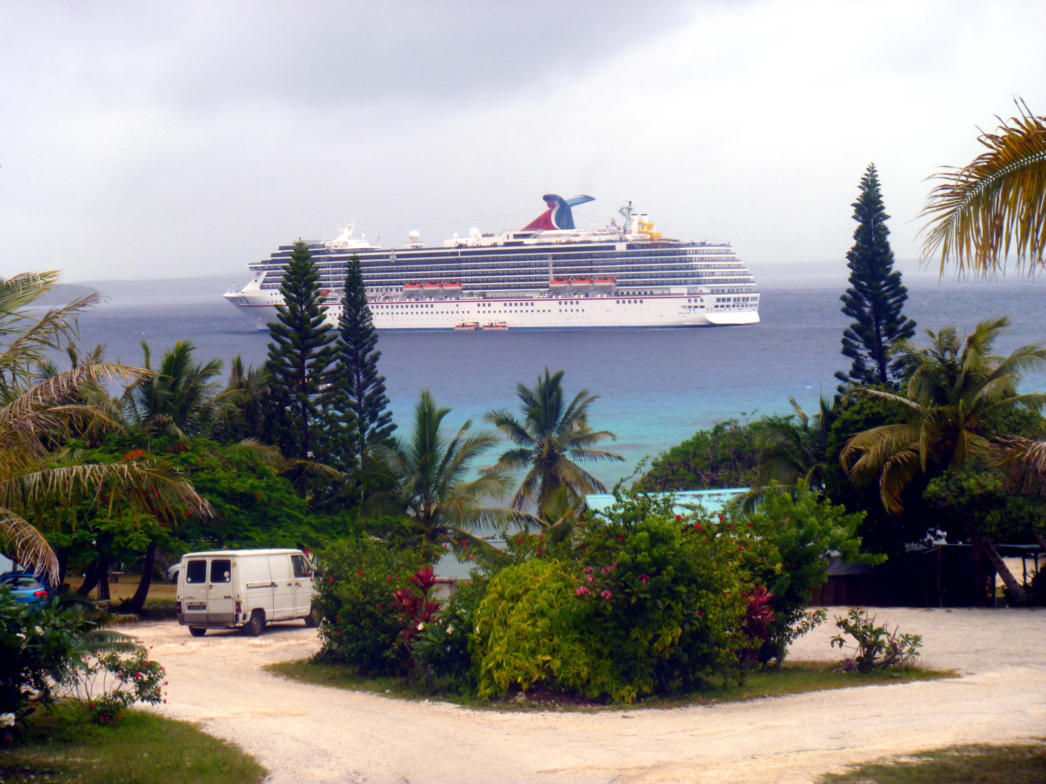 where is vanuatu on a map with What To Do In Lifou New Caledonia on  furthermore What To Do In Lifou New Caledonia moreover Oceaniens besides Ensuite Master Bedroom With Private Courtyard as well Basse Normandie.