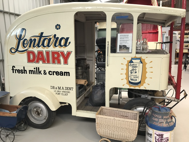 Port Elliot milk float