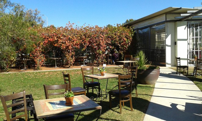 riverbank of queanbeyan, queanbeyan, cafes, restuarants, NSW, canberra, ACT, breakfast, lunch, dog friendly