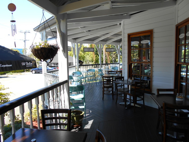 springwood, cafe, Pantry HQ, coffee, meals, verandah, quaint,,