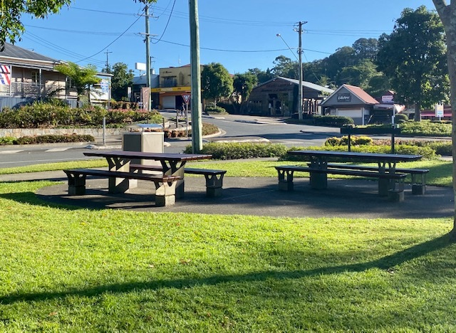 The facilities at Tesch Park, and it's convenient location make it an ideal base when visiting Maleny