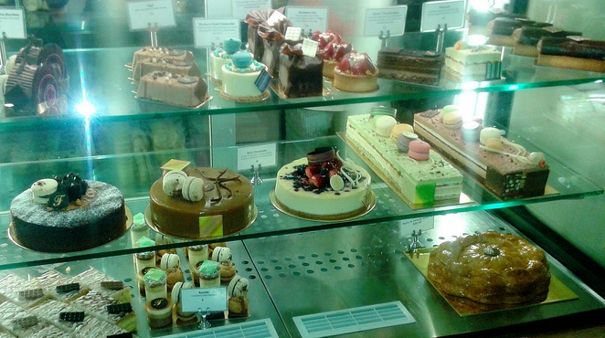 flute patisserie, bakery, cafe, canberra, ACT, cakes, birthday cakes, gateaus, slices, lunch,