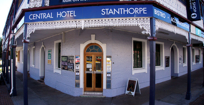 Grab a classic country pub meal in one of several classic country pubs in the Stanthorpe region