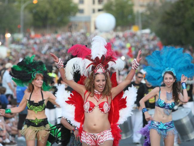 labomba las chicas performers adelaide fringe