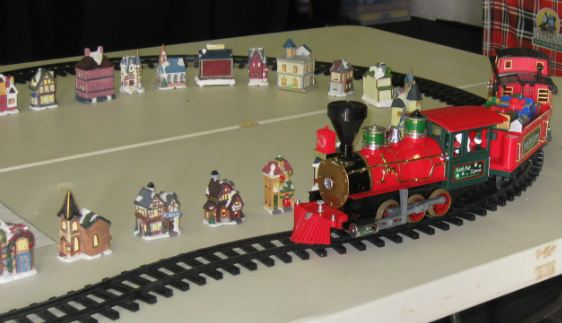 Model Train red Christmas