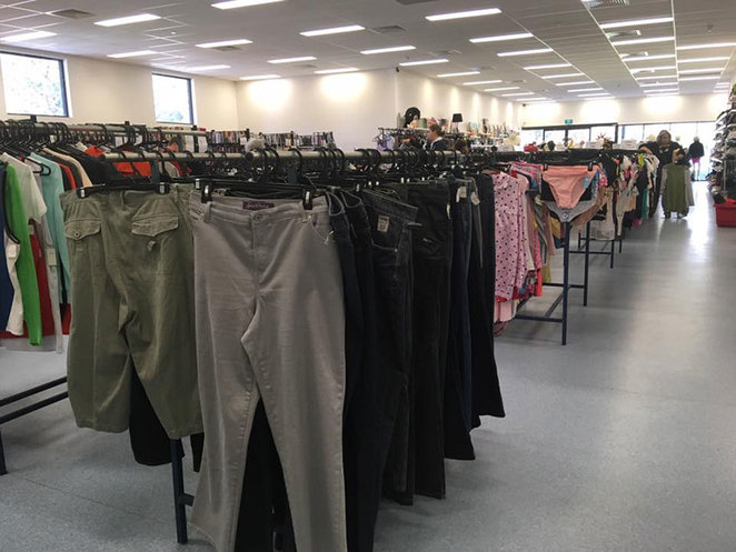 Scroungers Autumn Garage Sale 2018, Opportunity Knocks retro and pre-loved clothing store.
