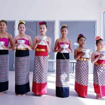 Students learn to dance in Thai style and also learn Thai culture