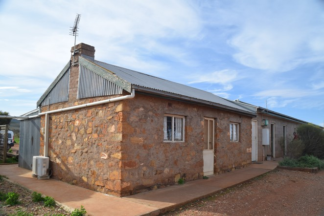 Bendleby Ranges, Jane Luckraft, Acacia Cottage, Hungry Ranges, Orroroo, Ridge Top Track, Billy Goat Track, Kokoda Track, Bendleby Camp, Crotta Homestead