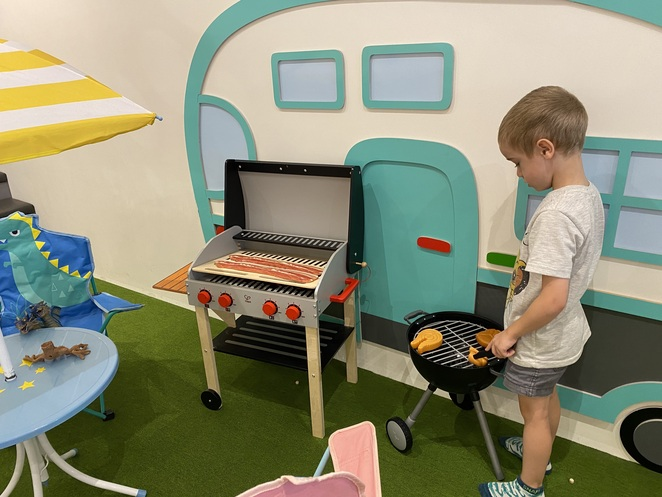 Kidsday Premium Kids Cafe, play centre, kids fun, indoor playground, ball pool, kids cafe, sydney kids