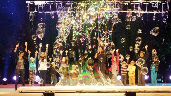 Magical Bubble Wonderland, The Gazillion Bubble Show, Adelaide Festival Theatre, July school holidays, Fan Wang Meldy Wang, Late Night with David Letterman' show, Cirque du Soleil
