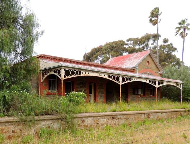 manoora, manoora hall twilight market, manoora hall, manoora hall markets, manoora institute, manoora hotel, market stalls, gilbert valley, south australia, manoora railway station