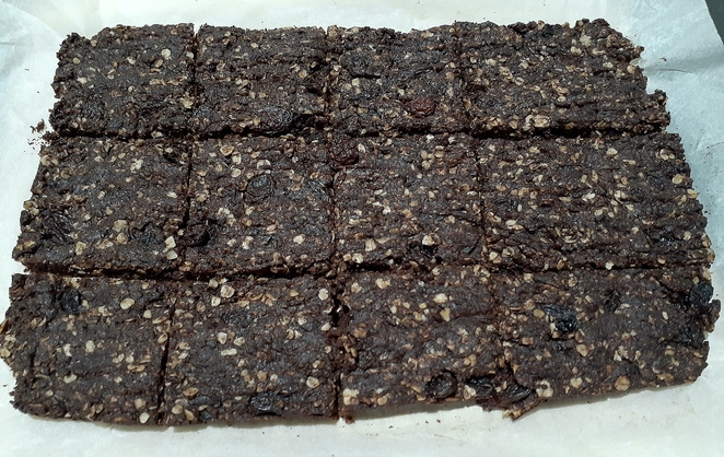 slice, chocolate, coconut, oat, recipes, slice recipes, chocolate slice recipes, oat slice recipes, coconut slice recipes, sultanas, honey, australia, recipes, family, slice, fetes, school fete recipes,