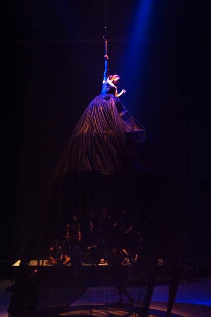 The Big Skirt in Dreams from the Second Floor