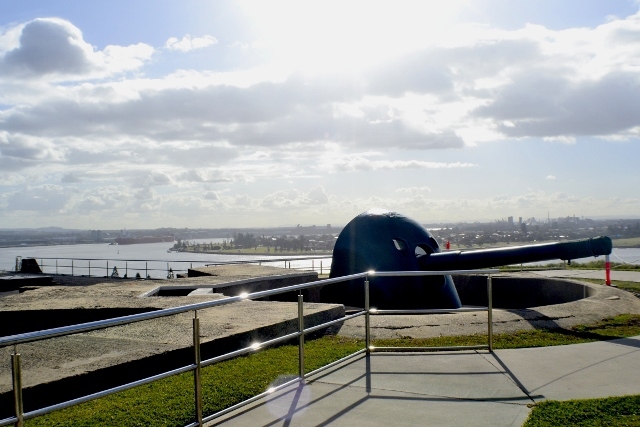 Fort Scratchley, Newcastle harbor, Nobbys Beach