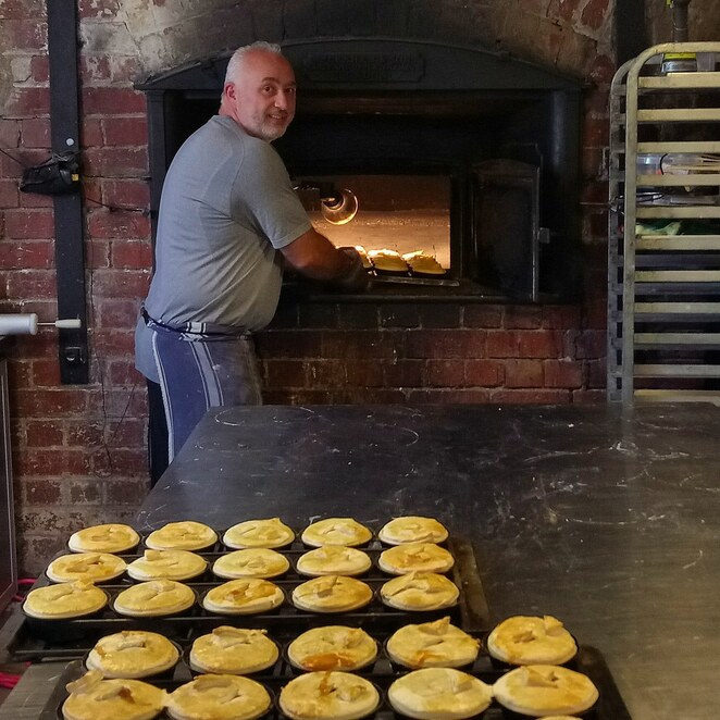Historic bakery, scotch oven, pastries, pies, bakehouse, bakery, heritage bakery, lunch, high tea, all day breakfast, Mernda