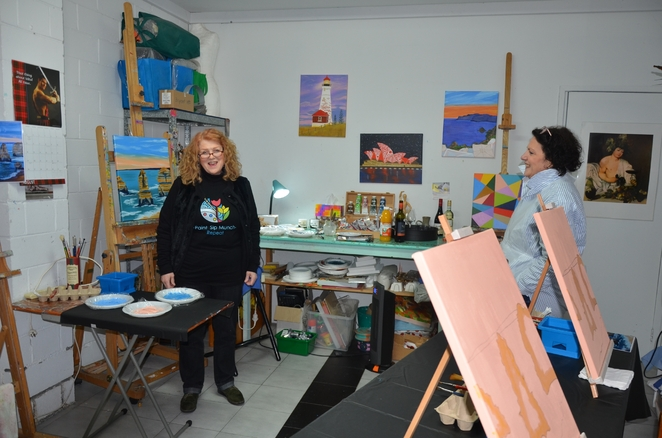 Professional Painter and Instructor Gaye Lyons