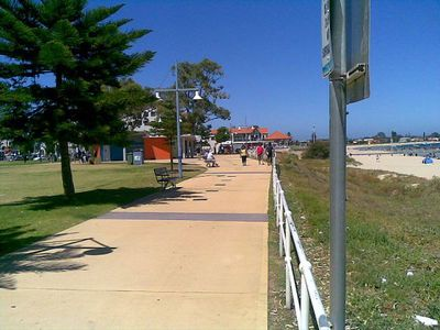 Rockingham Beach. This image is from Wikimedia Commos (by RAM).
