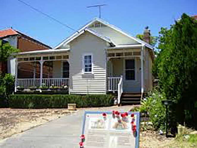 The Not-So-Ugly-Men at ANZAC Cottage, historical memorial house and museum built in one day, The Claremont Anzac Cottage built by the Claremont Branch of the Ugly Men's Voluntary Workers Association in 1917.
