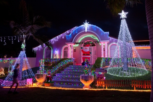 large image - Best Christmas Lights Display