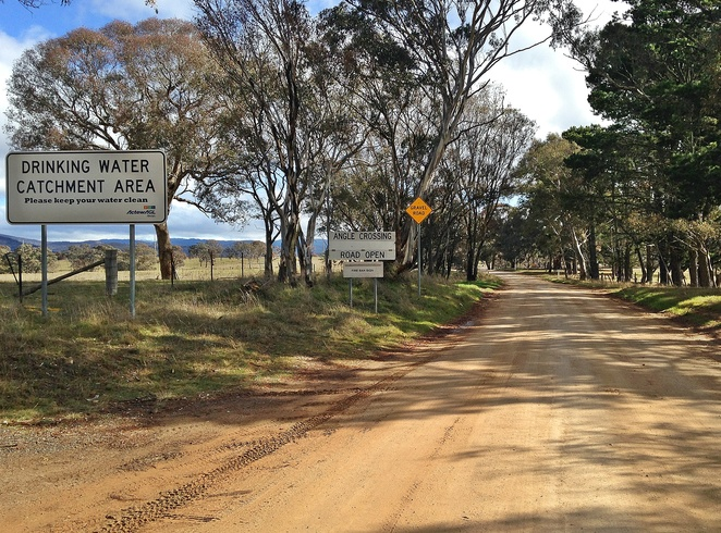 angle crossing, canberra, cooma, monaro highway, tharwa, murrumbidgee river, river swimming, picnics, 4WD, kayaks,