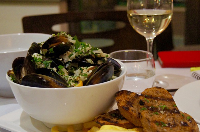 39 from the sea 39 seafood promotion stamford plaza hotel for Fish restaurant stamford